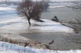 Drumuri încă închise, porturi înghețate, localități încă izolate