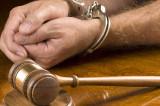 Minori arestați pentru agresarea sexuală și uciderea unui bărbat cu violență extremă