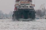 Poduri de gheață pe Dunăre.Apelul disperat al companiilor: navigația pe Dunăre este la mâna destinului
