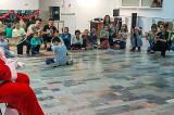 Tineretul Elen Tulcea l-a adus pe Moș Crăciun cu daruri și au recreat o seară de Crăciun autentic grecească(cu Kalin Esperan (Kalanta Xristougennwn) și dansuri traditionale)