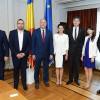 Secretarul general al CD, Thomas Garrett (SUA) în dialog cu reprezentanți ai Comisiilor pentru politică externă
