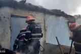 """O femeie de 73 de ani a murit într-un incendiu izbucnit la o casă din perimetrul Mănăstirii de maici """"Vovidenia"""", din localitatea Slava Rusă"""