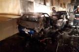 Babadag: Autoturism incendiat în fața blocului