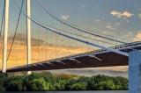 Constructorii Podului suspendat peste Dunăre, Tulcea-Brăila, lucrează într-un ritm susținut iar rezultatele încep să se vadă