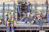 Salariul minim de 3000 de lei din construcții, extins pe domenii conexe, prelungit până-n 2028
