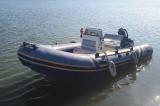 Chilia Veche: Polițiștii de frontieră au salvat șase persoane aflate într-o barcă rămasă fără combustibil