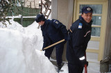 Jandarmii au luat cu asalt troienele de zăpadă