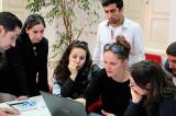 """""""Tinerii dezbat"""": olimpiadă națională de argumentare, dezbatere și gândire critică"""