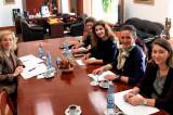 Reuniunea Grupului multisectorial de lucru pentru egalitate de gen a reiterat necesitatea finanţării pentru servicii specializate de consiliere, asistenţă pentru victime şi agresori
