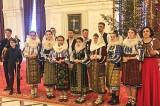 Bucuria colindelor a adus în Parlamentul României feeria Crăciunului