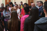 Vești bune pentru liceeni și studenți: granturi anuale de până la 4000 de euro pentru performanță