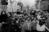 La 75 de ani de la Auschwitz – Educația Holocaustului și amintirea justiției globale