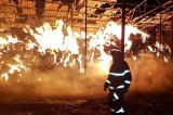 Incendiu la o fermă din Baia