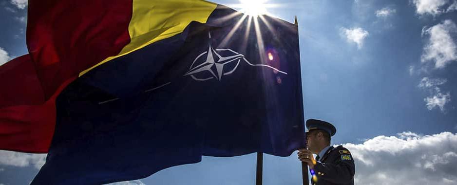 De ziua NATO, salut cu respect și prețuire pe toți militarii români care luptă în teatrele de operațiuni sau acasă, la frontiere, în spitale sau pe stradă pentru România