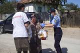 Jandarmii tulceni şi Patriarhia Română, în sprijinul familiilor nevoiaşe din mediul rural. ''Bine ați venit, pentru că nu aveam ce să mâncăm nici astăzi!