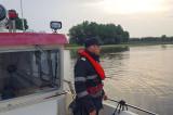 Barca unui bărbat din Ceatalchioi plutea în derivă și au fost solicitații pompierii pentru căutarea persoanei în apele Dunării