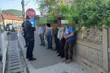 Șapte romi horahai au încercat să fugă din cartantină, cartierul Bendea, Babadag și au fost prinși de jandarmi