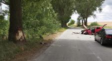 Un bărbat din Măcin s-a autoaccidentat grav după ce-a intrat într-un copac