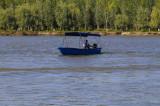 Misiunea voluntarilor WWF-România în această vară este să strângă plasticul plutitor de pe canalele Deltei Dunării