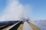 Incendiu violent la un parc cu panouri fotovoltaice din apropierea localității Babadag
