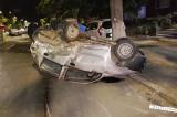 Mort de beat la volan, a pierdut controlul mașinii și a intrat în coliziune cu trei vehicule parcate
