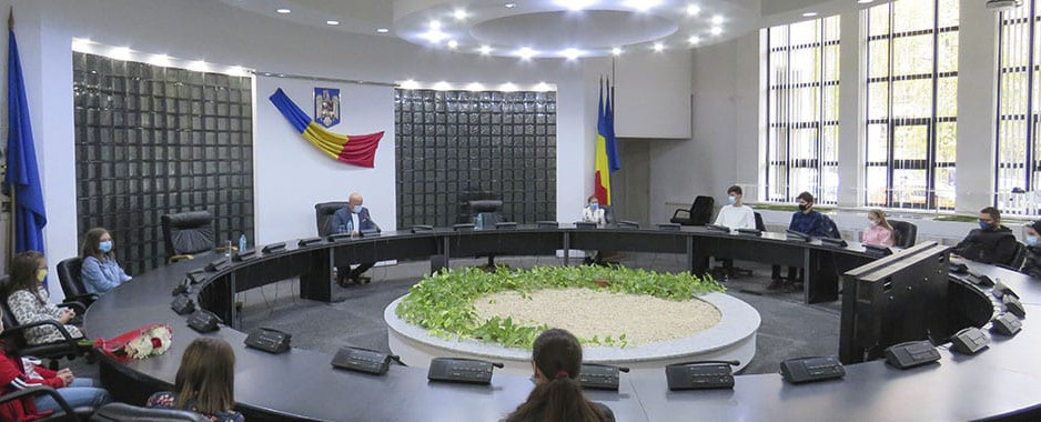 500 de elevi tulceni s-au înscris în competiția lansată de Consiliul Județean Tulcea pentru a marca Ziua Dobrogei, serbată anual la data de 14 noiembrie.