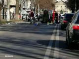 O ambulanță SMURD s-a răsturnat după ce a fost lovită de un autoturism condus de o femeie