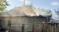 Pompierii din Babadag au salvat o gospodărie înainte de a se face scrum