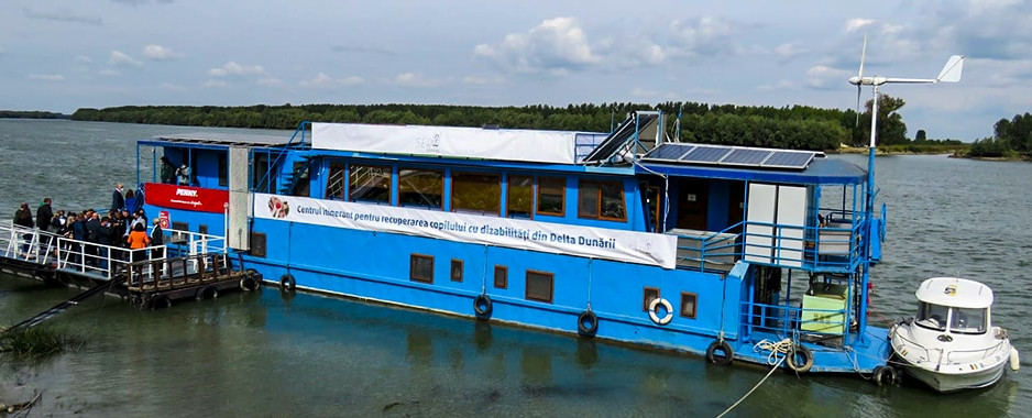 Primul centru itinerant din țară, pentru copiii cu dizabilități, inaugurat la Mahmudia, Delta Dunării